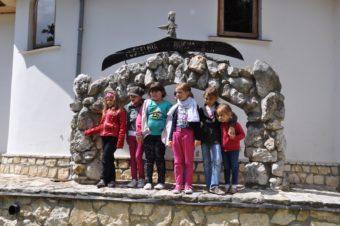Pielgrzymka Parafian i dzieci komunijnych do Sanktuarium Matki Bożej w Leśniowie